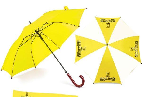 Làm ô dù cầm tay in ấn quảng cáo giá rẻ